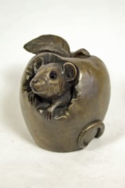 bronze resin Mouse in an apple - MOU-003