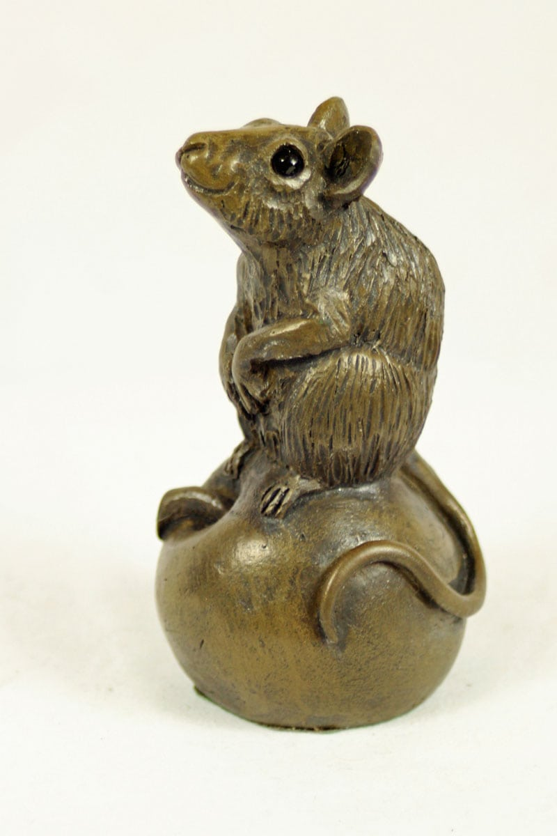 bronze resin Mouse on apple - small - MOU-001