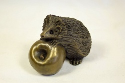 bronze resin Hedghog on apple, small