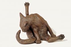 Cat, Cleaning round corners - ceramic clay sculpture